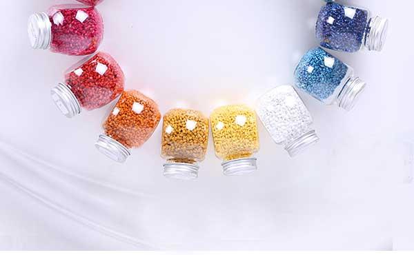 江苏红梅色母料公司与荧光增白剂厂家达成战略合作