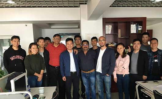 热烈欢迎印度朋友来练达化荧光增白剂厂家参观考察