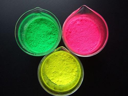 高温荧光颜料与荧光增白剂的区别